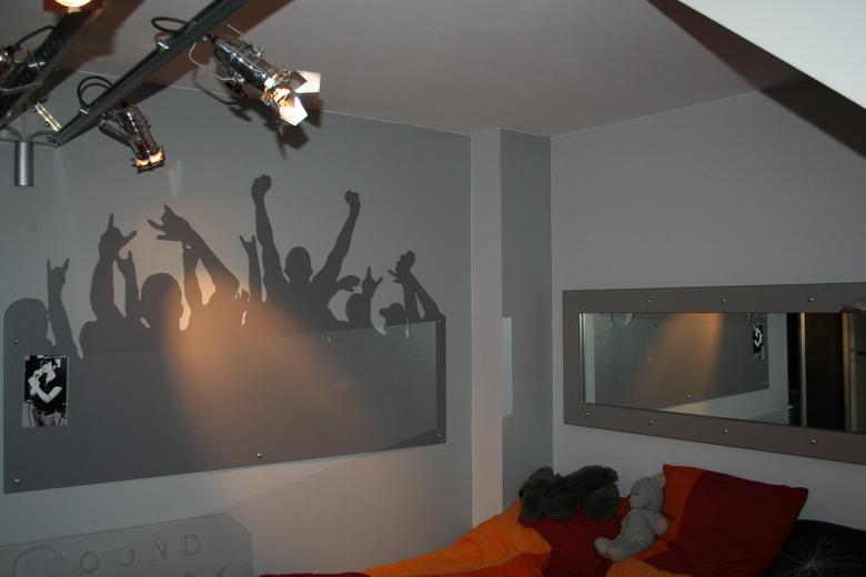 Chambre de rockeuse et jeux de lumi re for Lumiere pour chambre